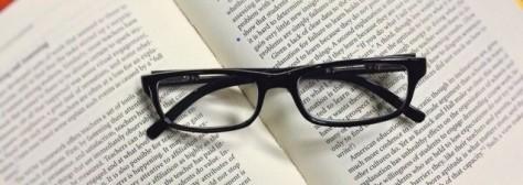 Libro y lentes. Asesoría en escritura de novela