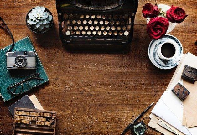Máquina de escribir. Asesoría en estructuración y escritura de novela